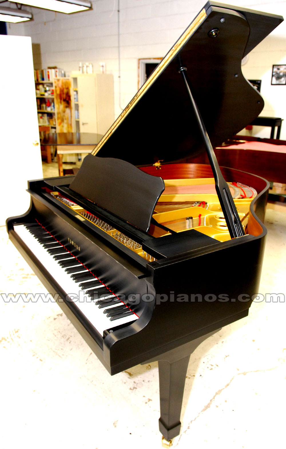 Chicago piano store pianos in chicago used and new for Yamaha baby grand piano used